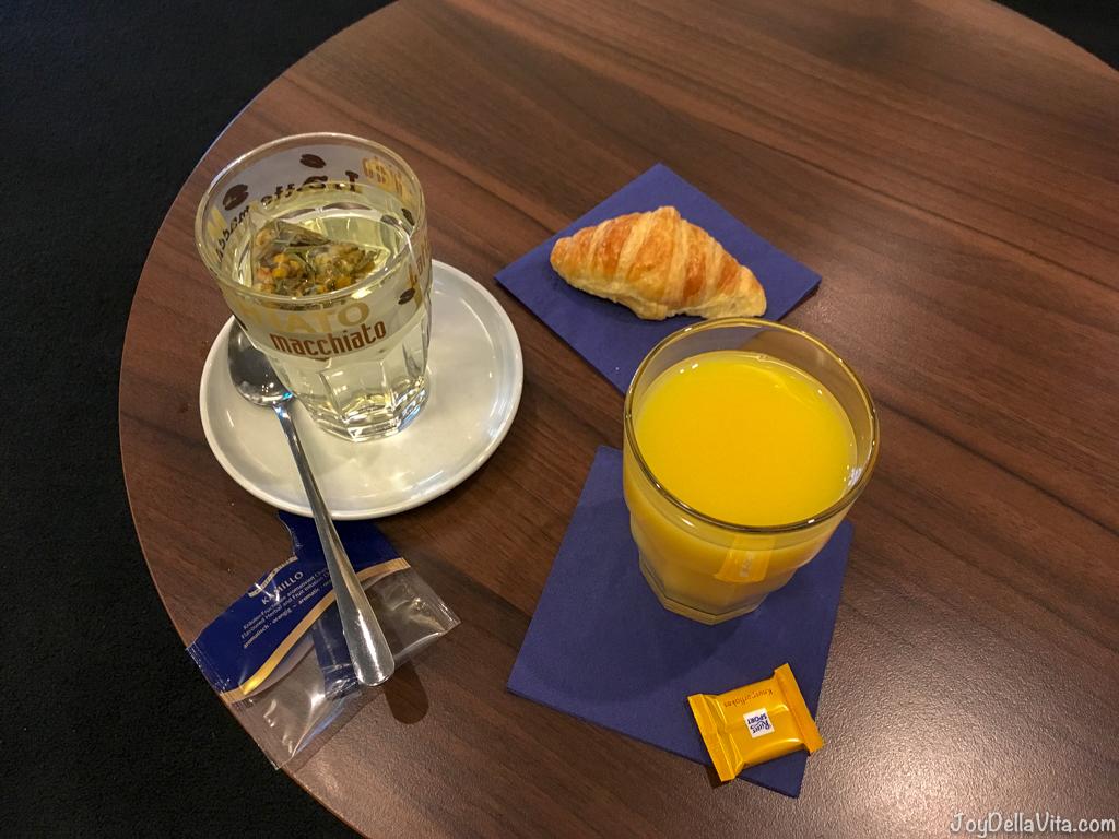 Qatar Airways Business Lounge Food Munich