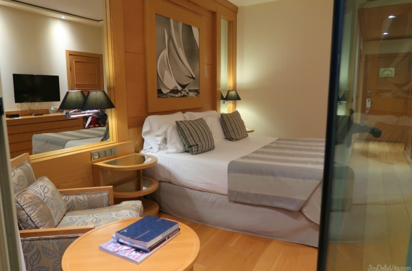 Staying at Balneario Las Arenas Valencia 5 Star Beach Hotel
