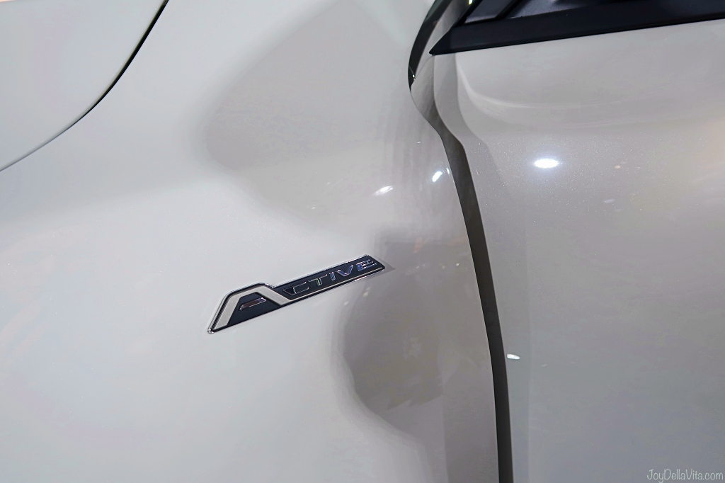 Ford Focus Active Badge above the front wheel