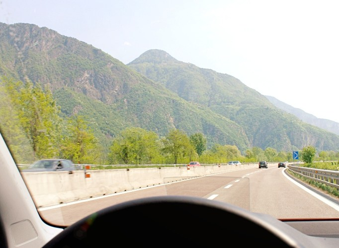 How far Verona Lake Garda distance travel