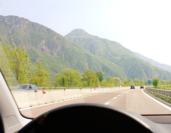 How far is Lake Garda from Verona? (Distance and Travel Time Lago di Garda – Verona)