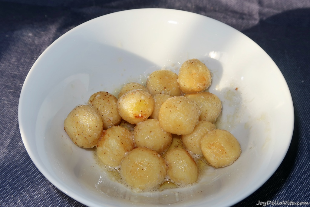 sprinkle (freshly grated) Parmesan over the Gnocchi with brown butter. Enjoy immediately.