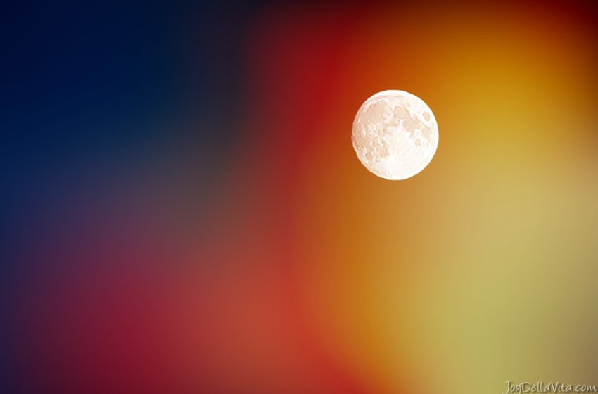 When to watch the Lunar Eclipse (blood moon) on Friday, July 27th 2018 (including Photography Tips!)