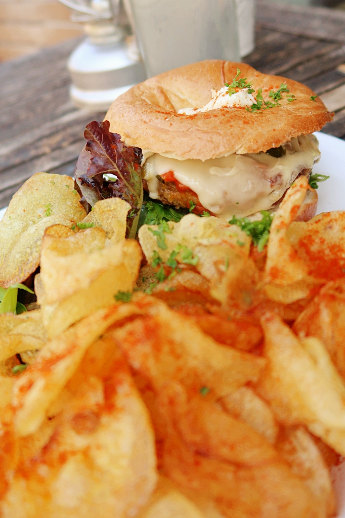 Grossstadt Lindau Chips Bagel Salad Vegetarian Vegan Lunch_07_review joy della vita travel blog