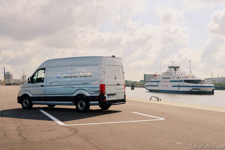 No more guilt after online shopping – the all-electric Volkswagen e-Crafter is finally here!
