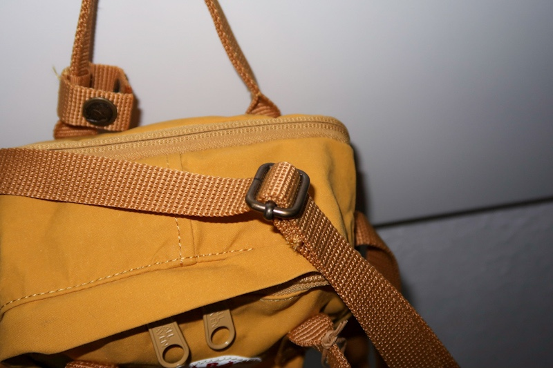 adjustable strap fjallraven kanken sling review ochre brown yellow blog joydellavita