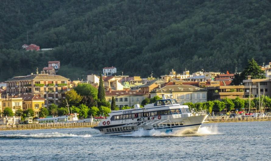 Hydrofoil Boat Aliscafo Voloire on Lake Como departing Como (incl Video)
