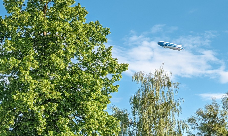 How to experience a Zeppelin NT airship flight in southern Germany / Lake Constance