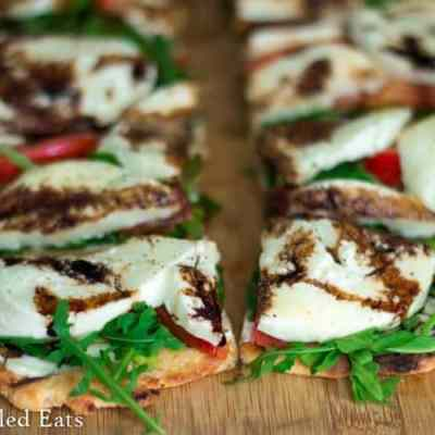 Fresh Mozzarella & Arugula Grilled Pizza – Low Carb & Grain Free