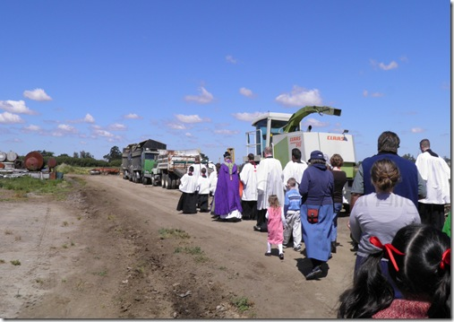 procession to field