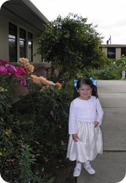 sweetie in courtyard 096
