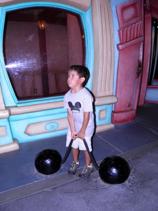 9.10.12 toon town gian and the gym
