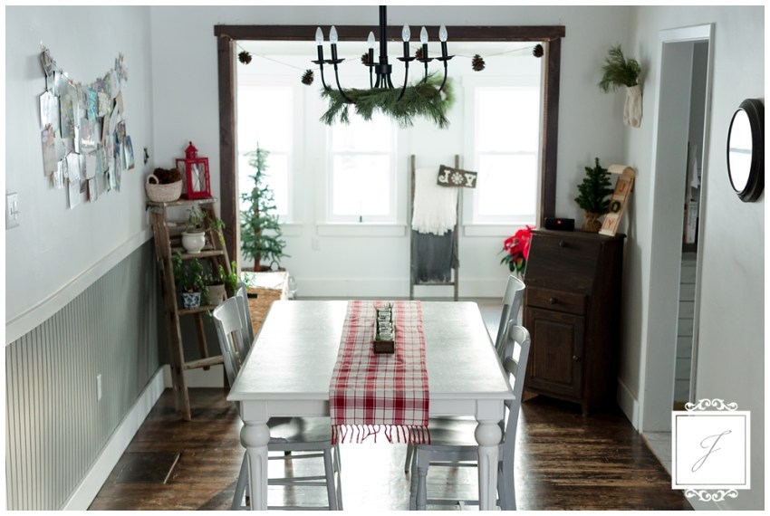 Cottage Christmas Decor Greensburg Wedding Planner Joy Filled Occasions_0006.jpg