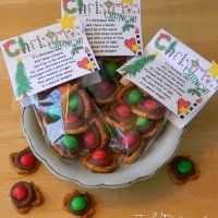 CHRISTMAS CRUNCH POEM & Chocolate Covered Pretzel Snack Packs