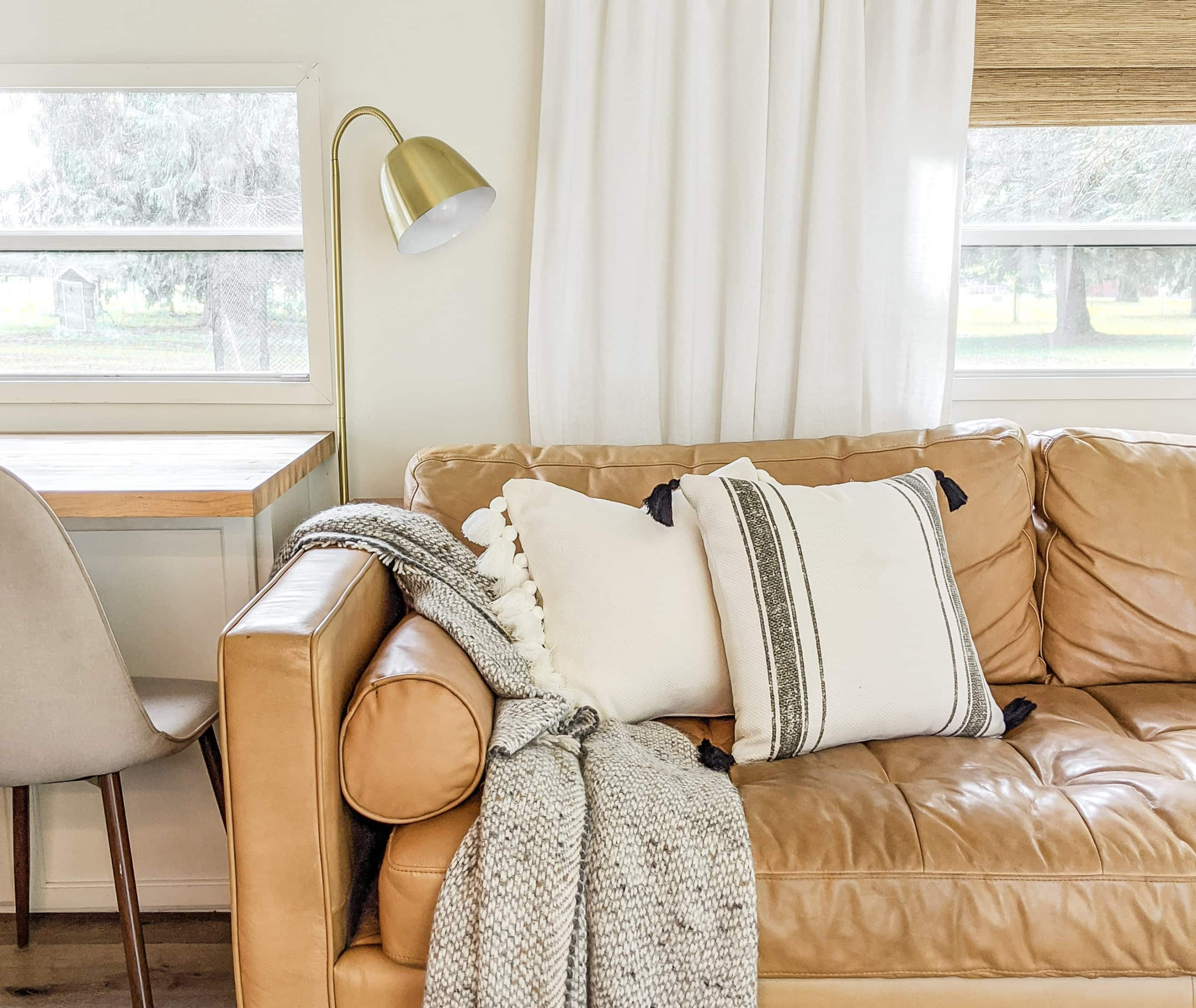 10 Pillow Combinations For Brown Couch Joyfully Growing
