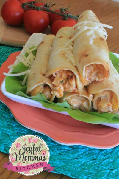 Crispy flour tortillas stuffed with a zesty and creamy chicken filling.