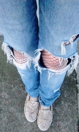 fishnets-and-snake-shoes