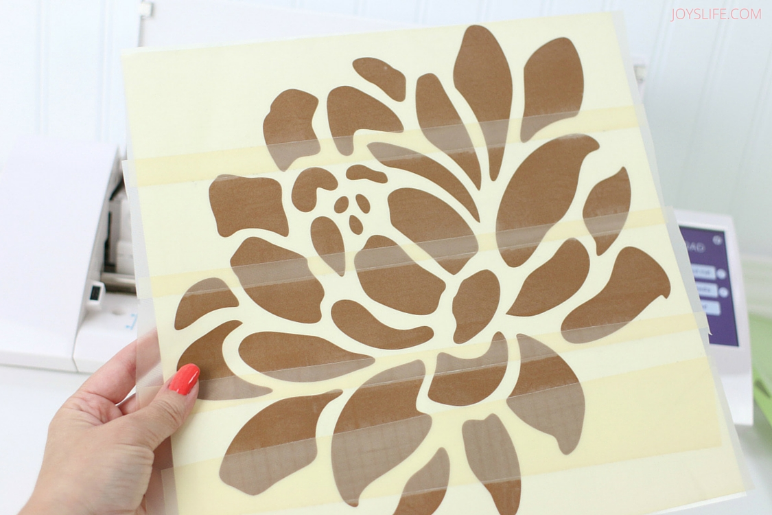 Learn how to dress up your washer & dryer with vinyl! Includes free cut file for Silhouette Cameo!