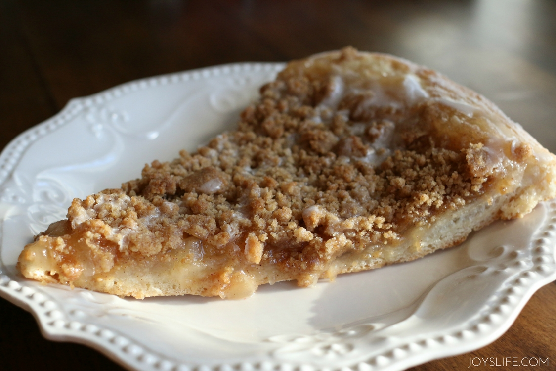 apple pie dessert pizza slice