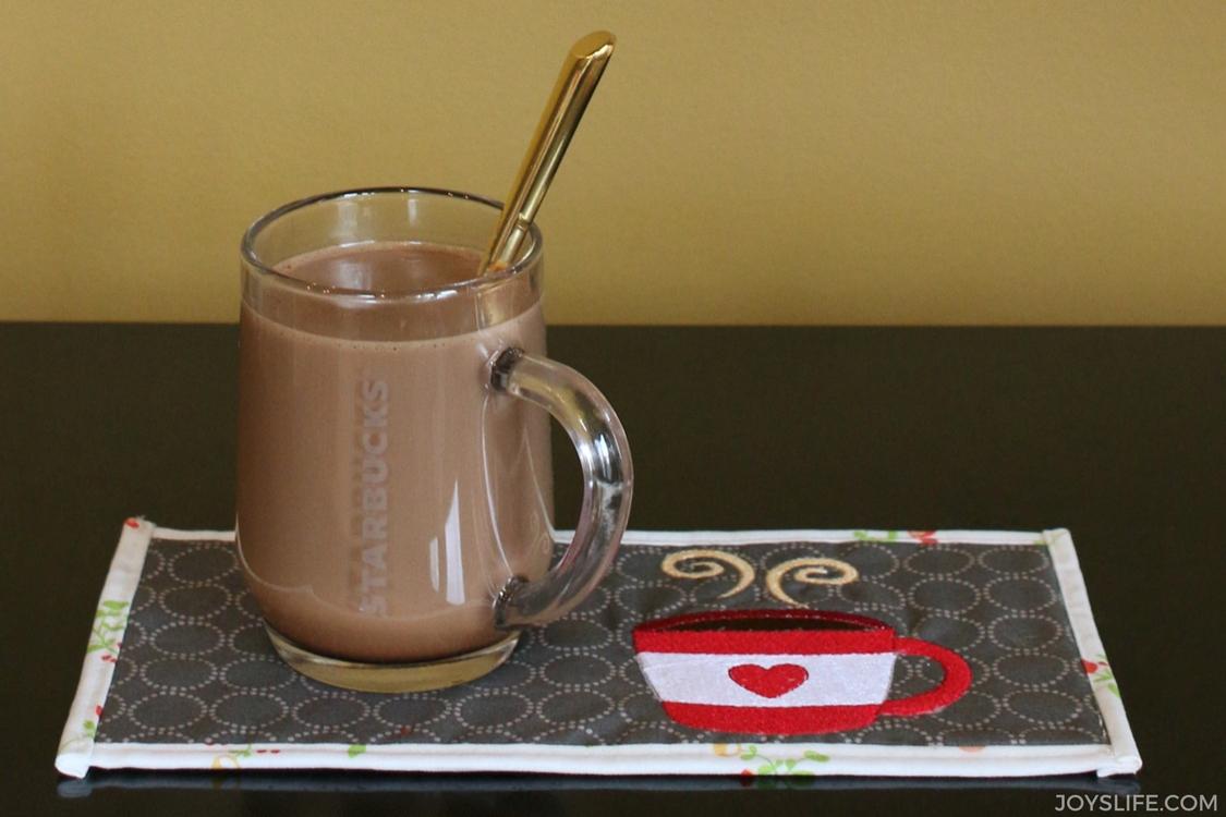 starbucks mug rug latte