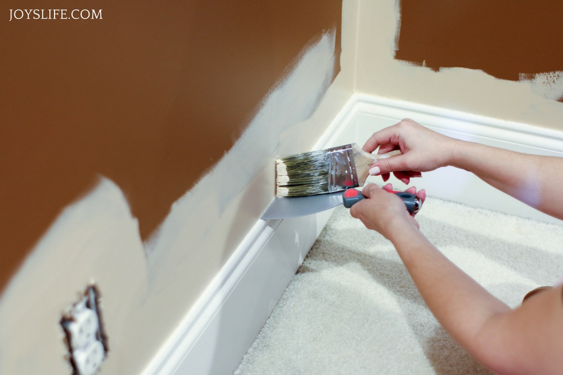 hallway putty knife