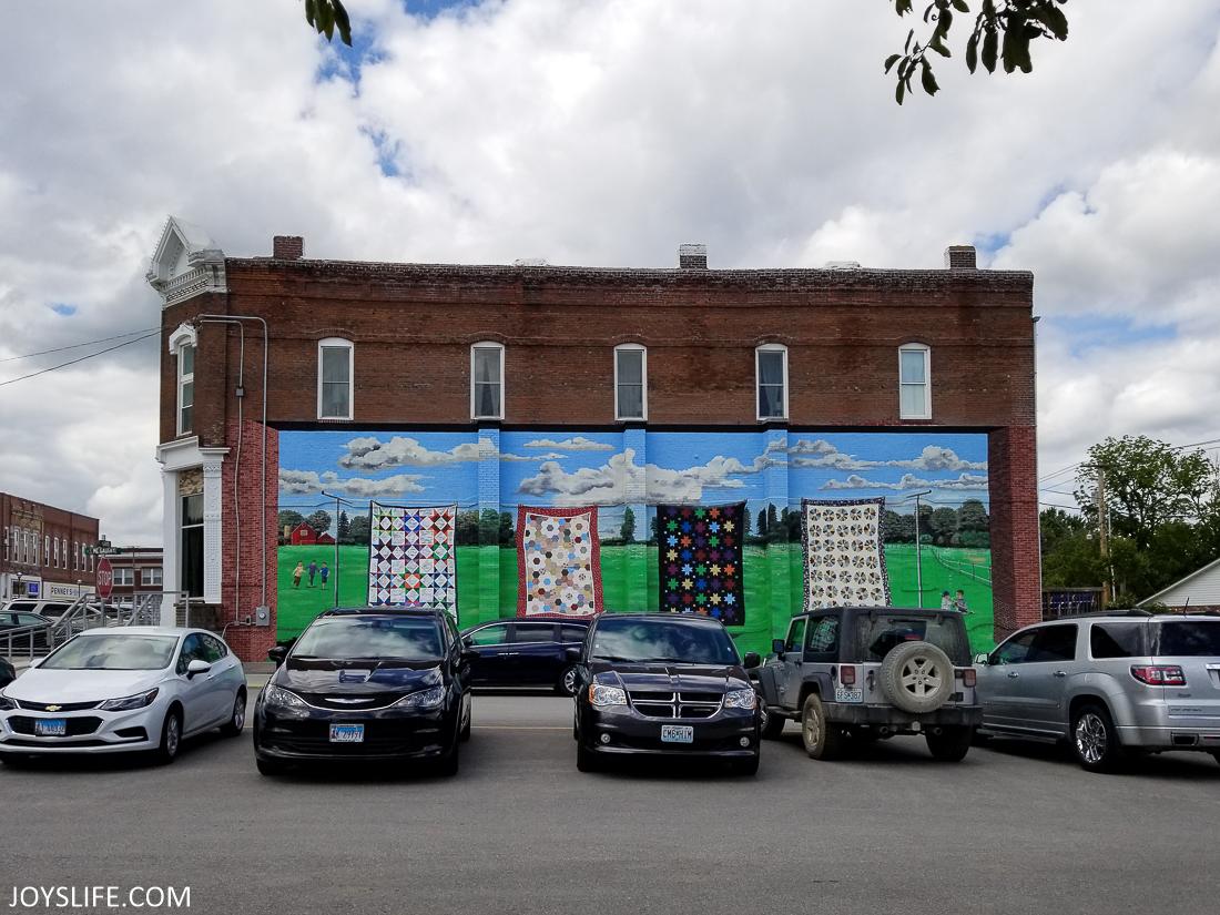 Quilt Mural in Hamilton Missouri