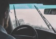 비오는 날 차창