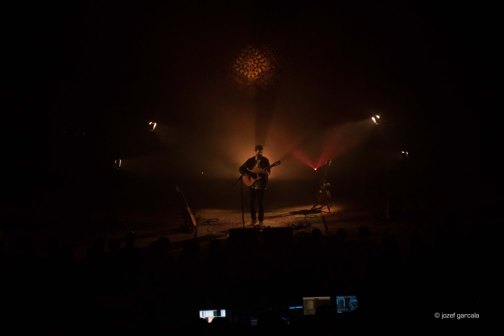 English singer and songwriter at one of his London performances