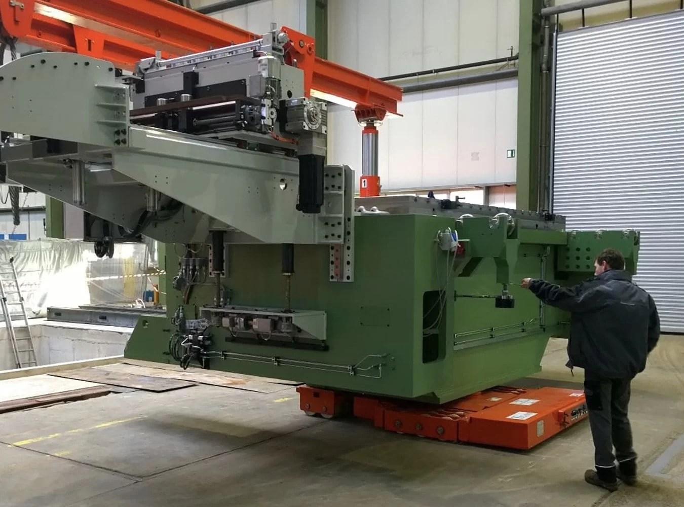 Wij zijn Jozef Hermans Industrial Movers: dé specialist om uw productie machine zorgeloos, waar dan ook ter wereld, te verplaatsen.