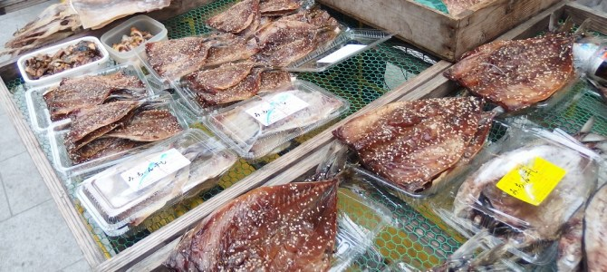 Seafood bargain! Yobuko Asaichi – One of the Japan's three major morning markets.