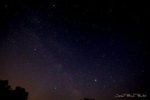 La Voie Lactée pointe au ciel