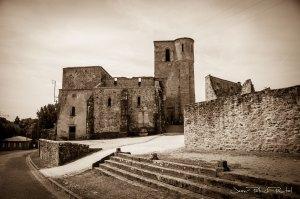 L'église d'Oradour-Sur-Glane dans laquelle plus de 500 personnes furent massacrées puis brûlées.