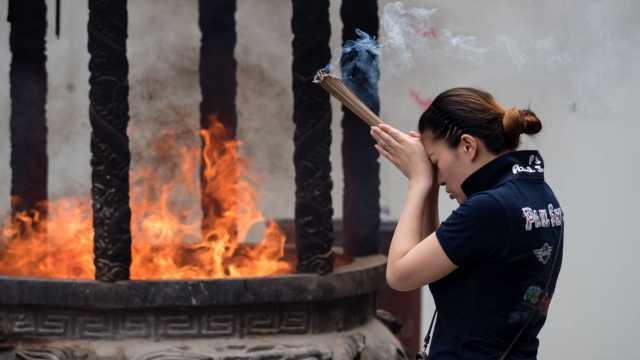 上海で焚かれたお香。