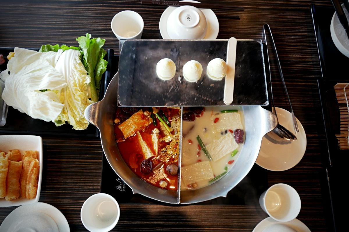 【台湾・台北】おすすめの火鍋レストラン:無老鍋・おしどり鍋セット