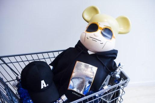 CLOT がウォッカブランドの ABSOLUT Vodka とカプセルコレクションをリリース