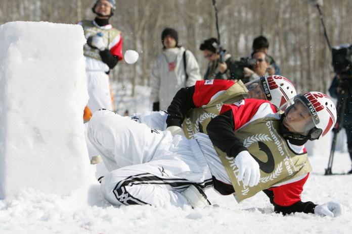 日本のチームも参戦するプロの国際雪合戦トーナメントがすごい