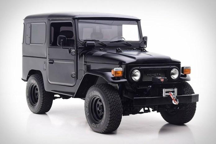 マットブラックカラーで生まれ変わった1979年製 FJ40型ランドクルーザー