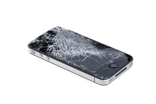 iPhone のスクリーンが割れているとデートがうまくいかなくなる!?