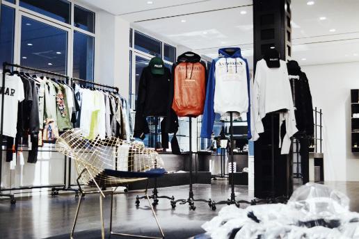 RESTIR にストリートファッションを中心としたフロアがオープン