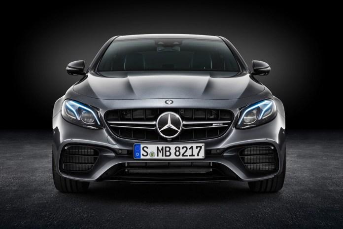 Mercedes-Benz が2017年モデルを含む約100万台をリコールすることを発表