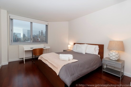 NY apartment photographer NYC real estate photography interior airbnb midtown bedroom