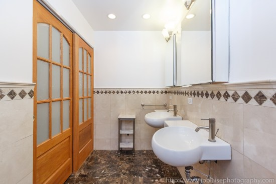New York City apartment photographer Midtown East One Bedroom unit bathroom