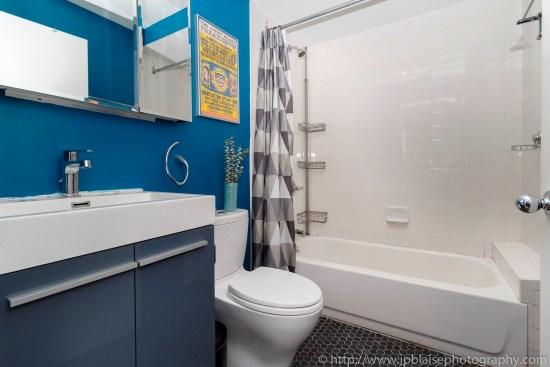 Nyc apartment photographer real estate new york studio loft brooklyn heights bathroom