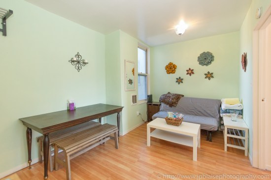 Picture of living room of new york real estate photographer in east williamsburg