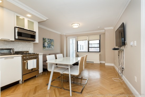 Real Estate photographer new york one bedroom apartment on upper east side