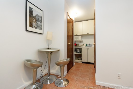 Real Estate photographer: photo of kitchen of Midtown West apartment