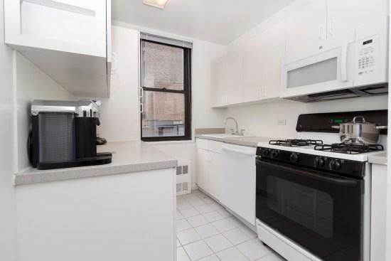Real estate photographer apartment interior ny nyc new york city murray hill manhattan Kitchen