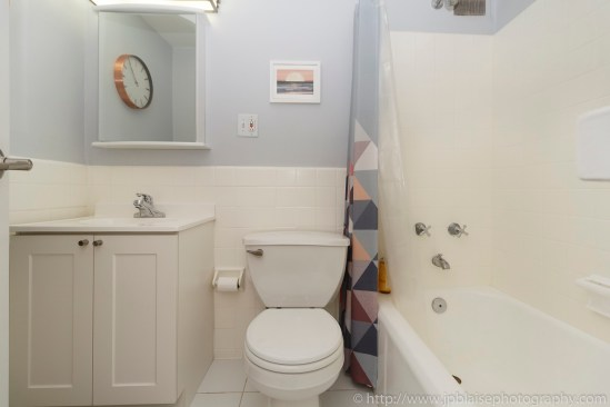 real estate new york apartment photographer ny fort greene brooklyn bathroom