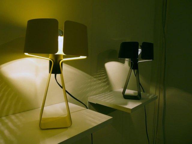 tong-desk-light.jpg