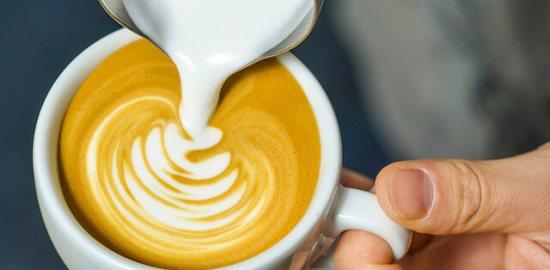 """파리의 커피 """"쿠츄무"""""""